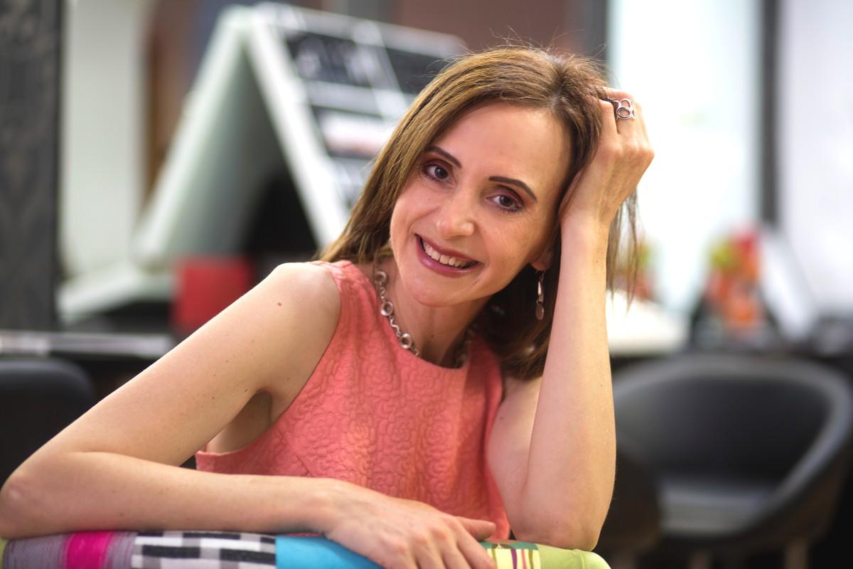 Maria Kapari- Well-being women trainer, holistic face art coach